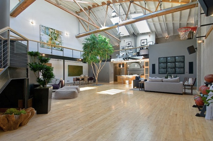 Amazing loft in san fran comes with your own basketball for Build your own basketball court