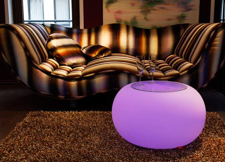 bubble outdoor led the illuminated feel good table seat by moree blurppy. Black Bedroom Furniture Sets. Home Design Ideas