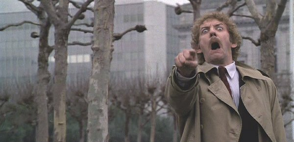-0invasion_of_the_body_snatchers_1978_movie_image_donald_sutherland_01