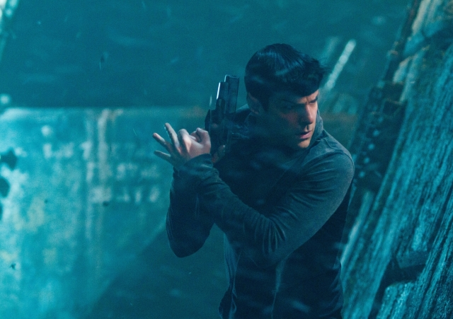 -0star-trek-into-darkness-zachary-quinto