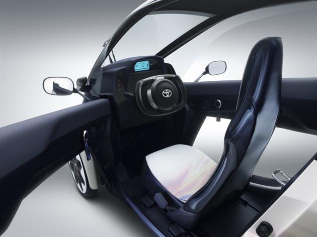 -0Toyota-i-Road-Personal-Mobility-Electric-Vehicle-5