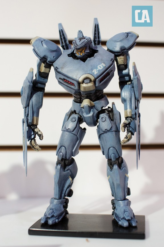 neca shows us how awesome their jaeger toys are for