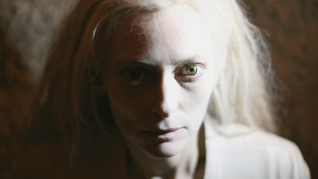 _Only-Lovers-Left-Alive-Tilda-Swinton