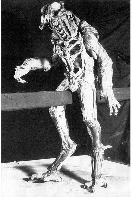 predator-original-design-van-damme-2