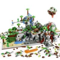 Universals Blackkklansman Coming To Digital Homes This Fall - Lego minecraft hauser