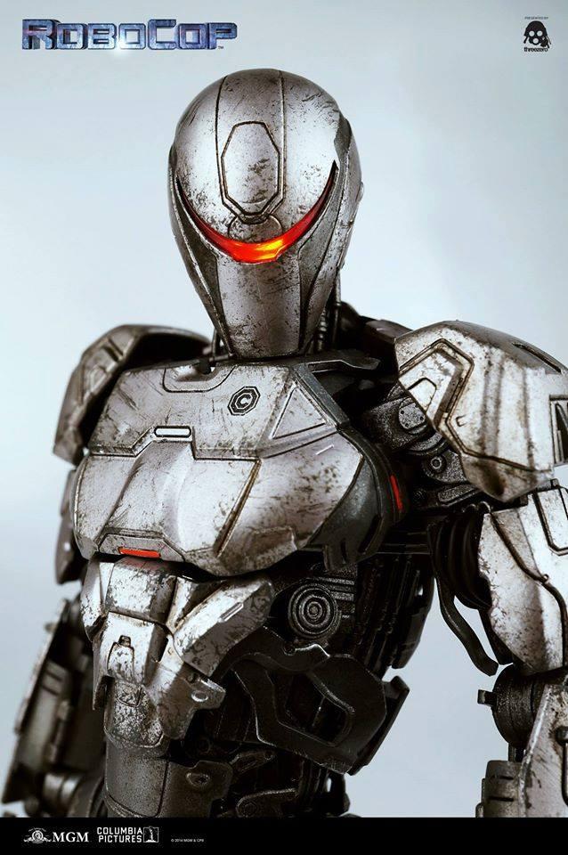 Threezero-Robocop-EM-208-022