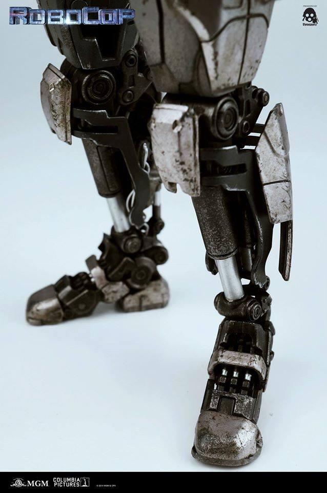 Threezero-Robocop-EM-208-024
