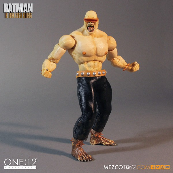 mezco-toyz-sdcc-summer-exclusive-one-12-collective-dark-knight-returns-deluxe-box-set-03