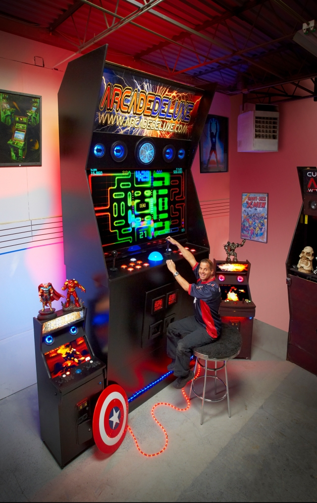 The Guinness World Records 2016 Gamer's Edition (out September  10) reveals the world's Largest Arcade Machine, created by Jason Camberis (USA). The machine measures 4041m tall, 1.93m wide and 1.06m deep.  Photo Credit: Kevin Scott Ramos / Guinness World Records  The Guinness World Records 2016 Gamer's Edition is on sale on September 10.  FOR MORE NEWS ON THE BOOK LAUNCH, FOR FURTHER INFORMATION OR ENQUIRIES, PLEASE CONTACT: Madalyn Bielfeld – Senior Publicist  020 7891 4599 or 07918 141272 / madalyn.bielfeld@guinnessworldrecords.com   Twitter - @GWRPRESS / @GWR